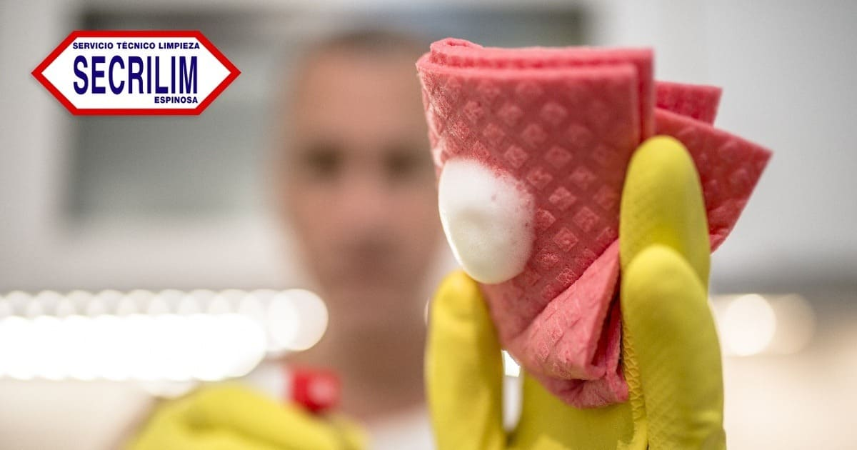 Limpieza en tu hogar después de las fiestas navideñas